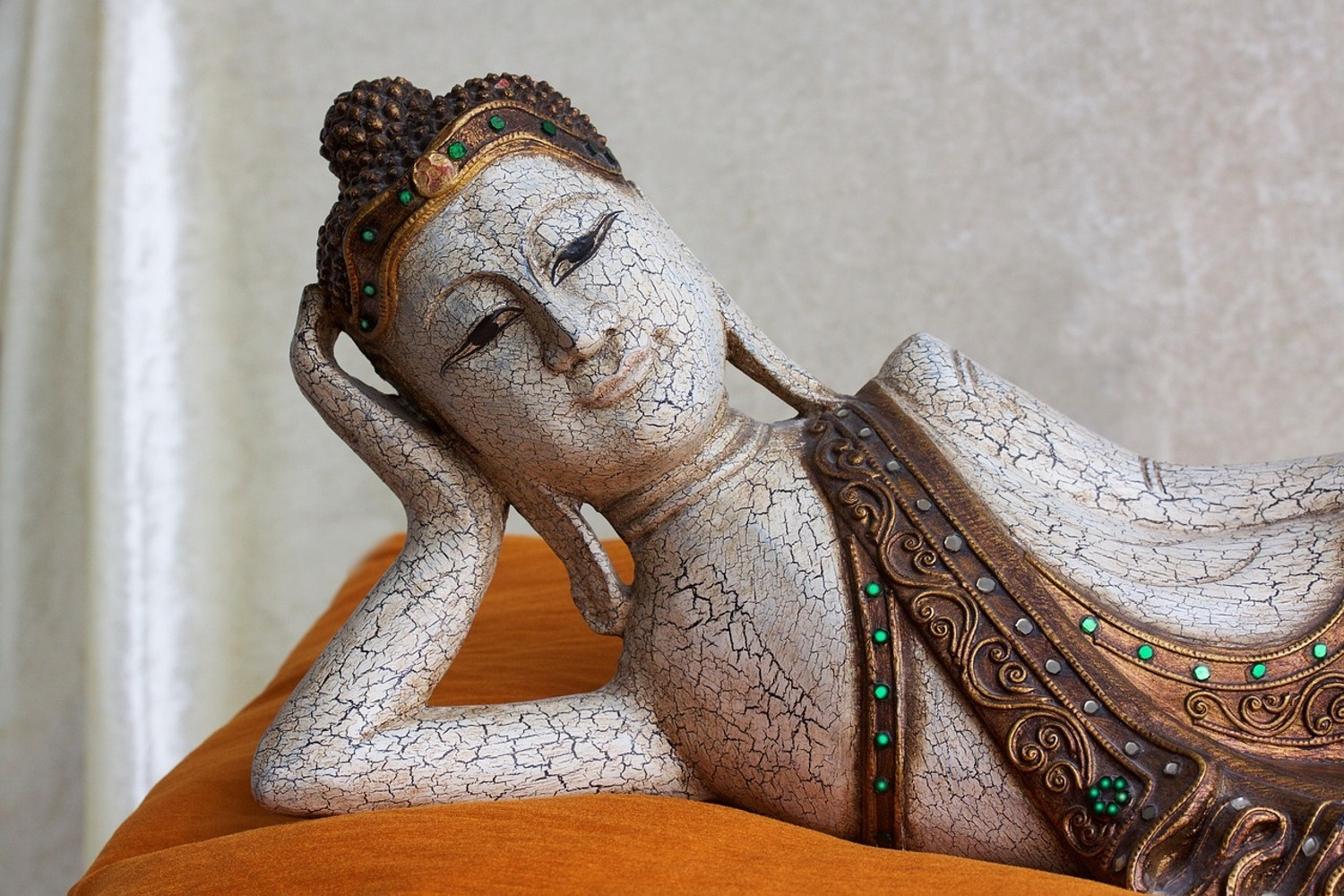 Photo Wallpaper A Buddha sculpture